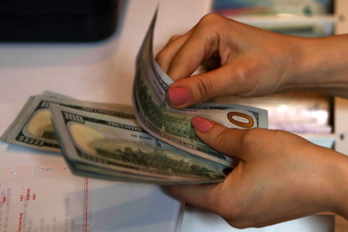 ¿Debería extenderse el bono de $600 dólares de ayuda por desempleo?