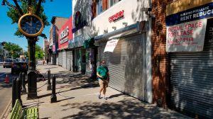 FBI: empleada pública y su hija robaron millones a fondos de estímulo COVID en Nueva York