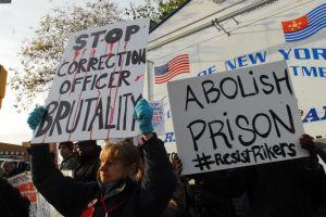 """El uso de la fuerza contra los prisioneros en las cárceles de la ciudad de Nueva York alcanzó """"máximo histórico"""""""