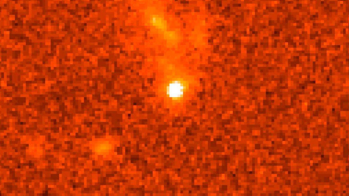 Descubren señales de luz que vienen de otras galaxias y se repiten cada dos años