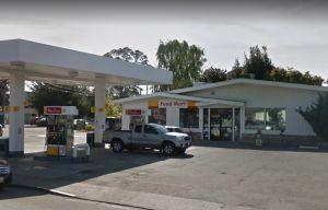 """Racista llama """"Nazi"""" a trabajadora latina de gasolinera en California"""