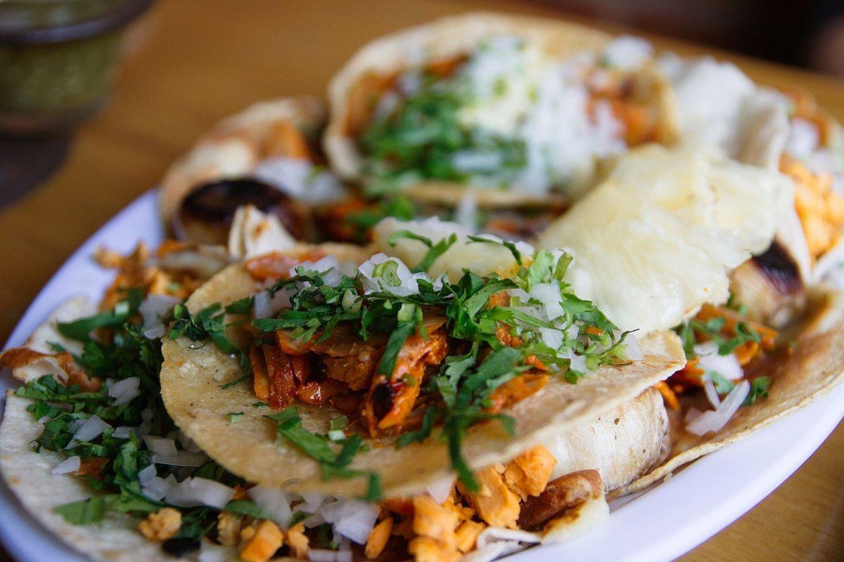 Cuáles son los platillos de comida mexicana para fiestas que mejor rinden
