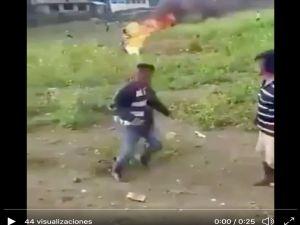 VIDEO: Queman vivo a hombre de la tercera edad acusado de brujería en Guatemala