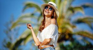 Verano 2020: Lo mejor en lentes de sol y accesorios para los días de calor