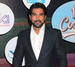 Arturo Carmona está harto de ser relacionado con Aracely Arámbula