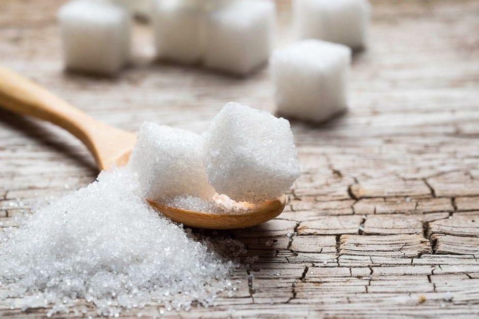 5 alimentos que no pensarías contienen azúcar agregado