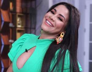 ¡Sin pudor! Carolina Sandoval usó el mismo bikini que Natti Natasha y Chiquis Rivera