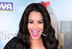 Carolina Sandoval agita las caderas en bikini y enciende TikTok