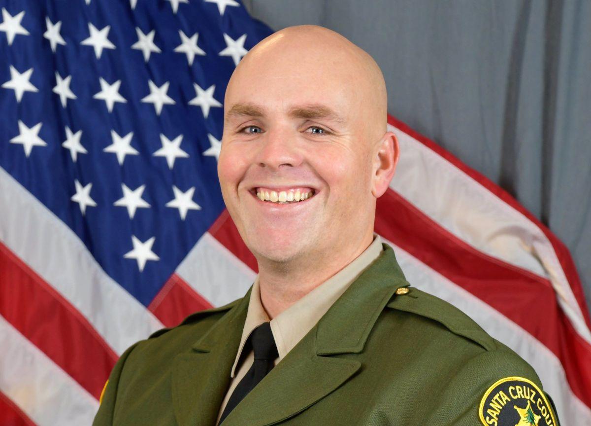 Matan a un policía en norte de California. Sospechoso sería miembro de la Fuerza Aérea