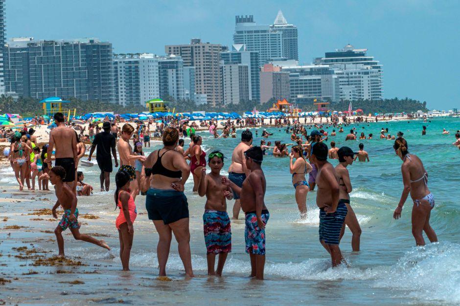 Miami cerrará sus playas para el 4 de Julio por el coronavirus