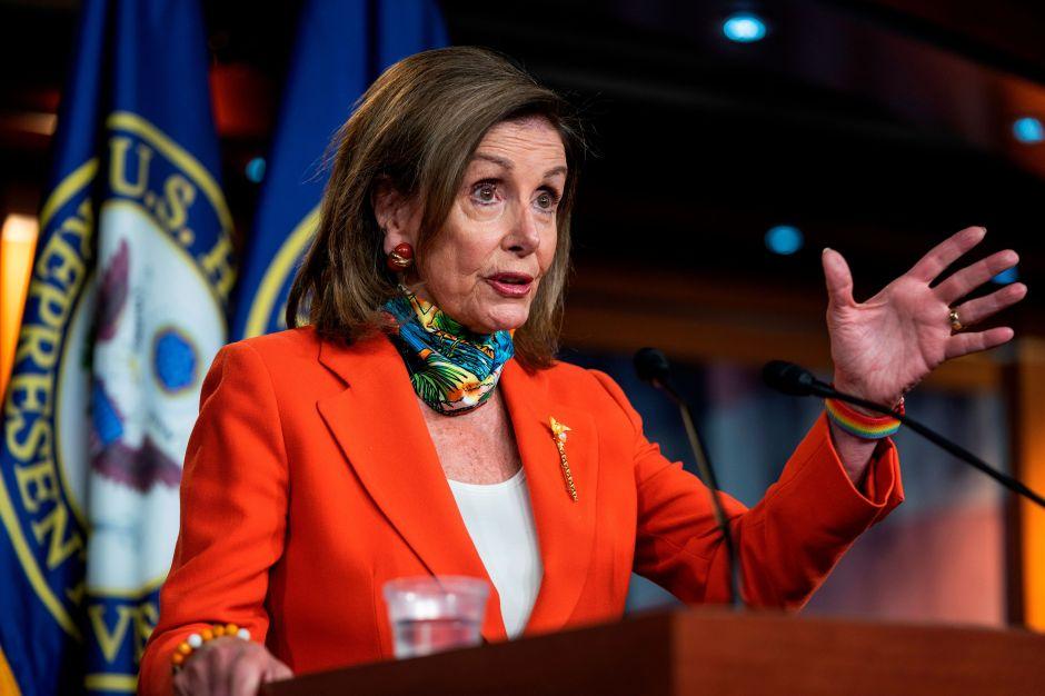 Pelosi y Schumer instan al Senado a retomar negociaciones sobre ayuda económica