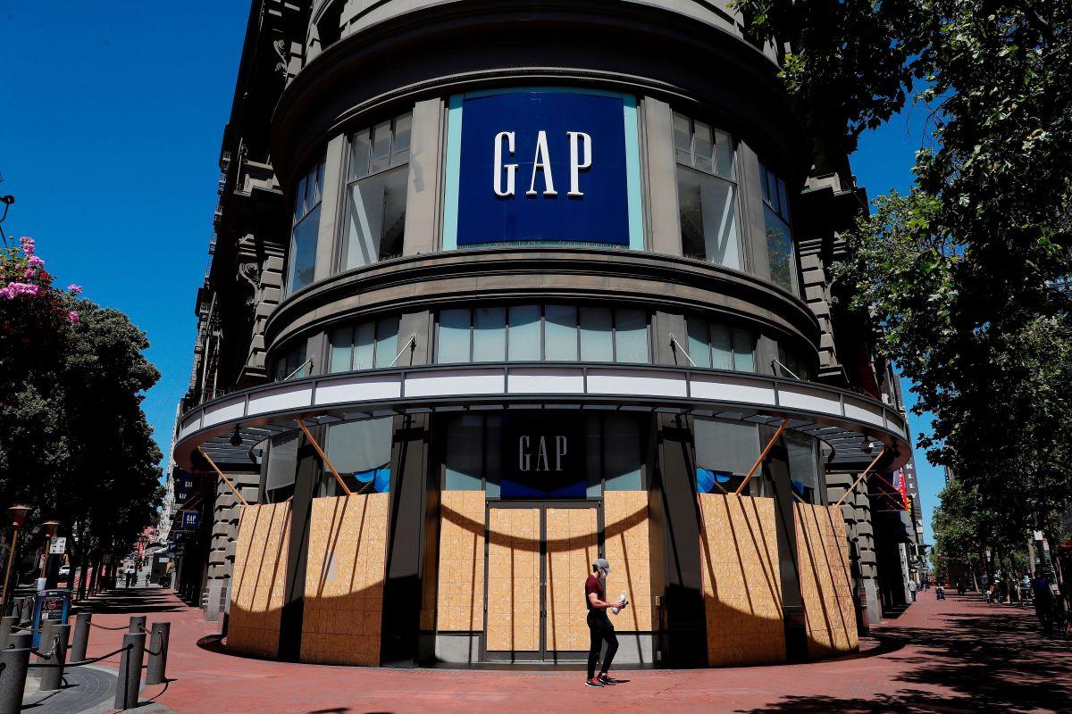 Gap cerrará más de 200 tiendas este año