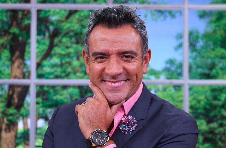 Tras salida de 'Un nuevo día', Héctor Sandarti regresa a la televisión