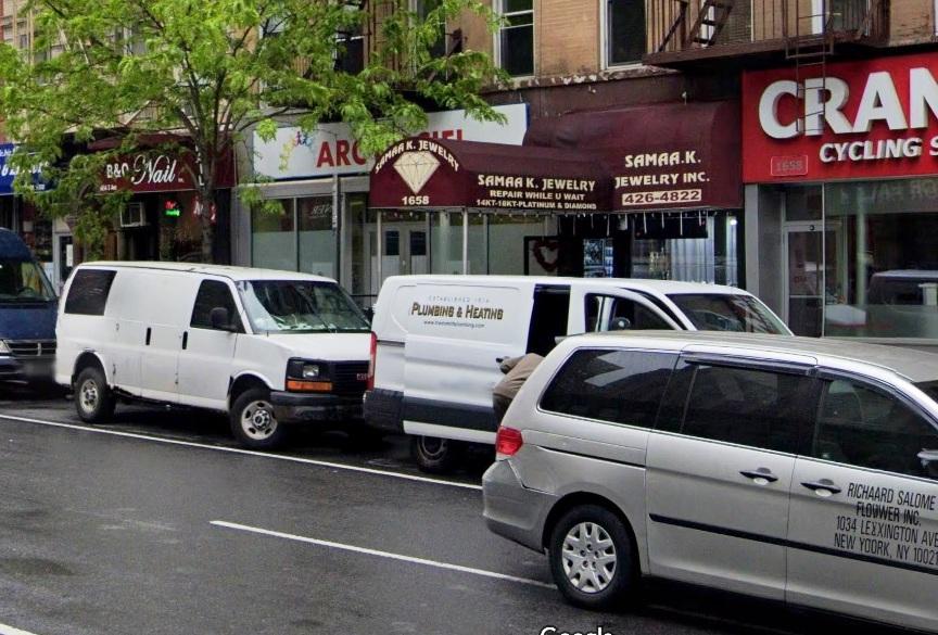 FBI: hispanos disfrazados de policías robaron $160 mil dólares en joyería de Nueva York