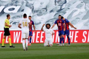 Marcelo anotó en el triunfo merengue y puso la rodilla en tierra uniéndose a las protestas contra el racismo