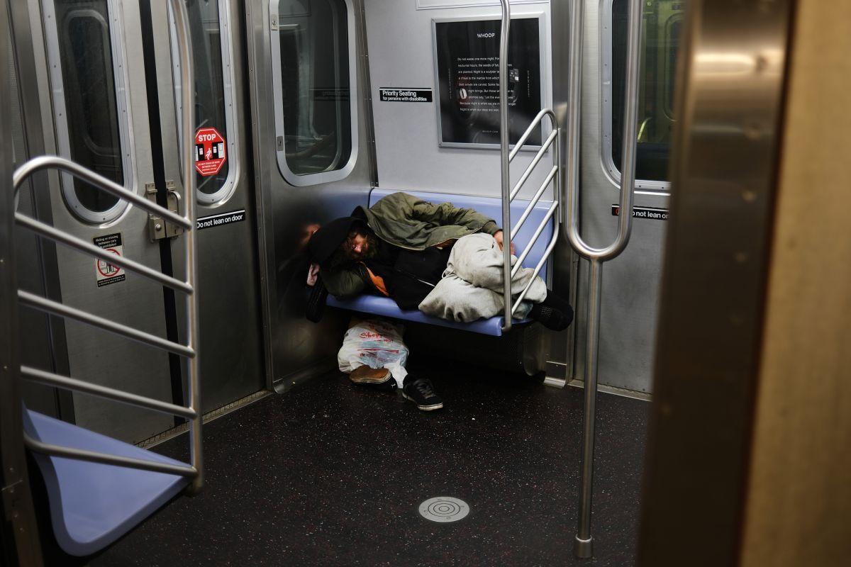 Alerta: sube violencia en el transporte público en víspera de reapertura escolar en Nueva York