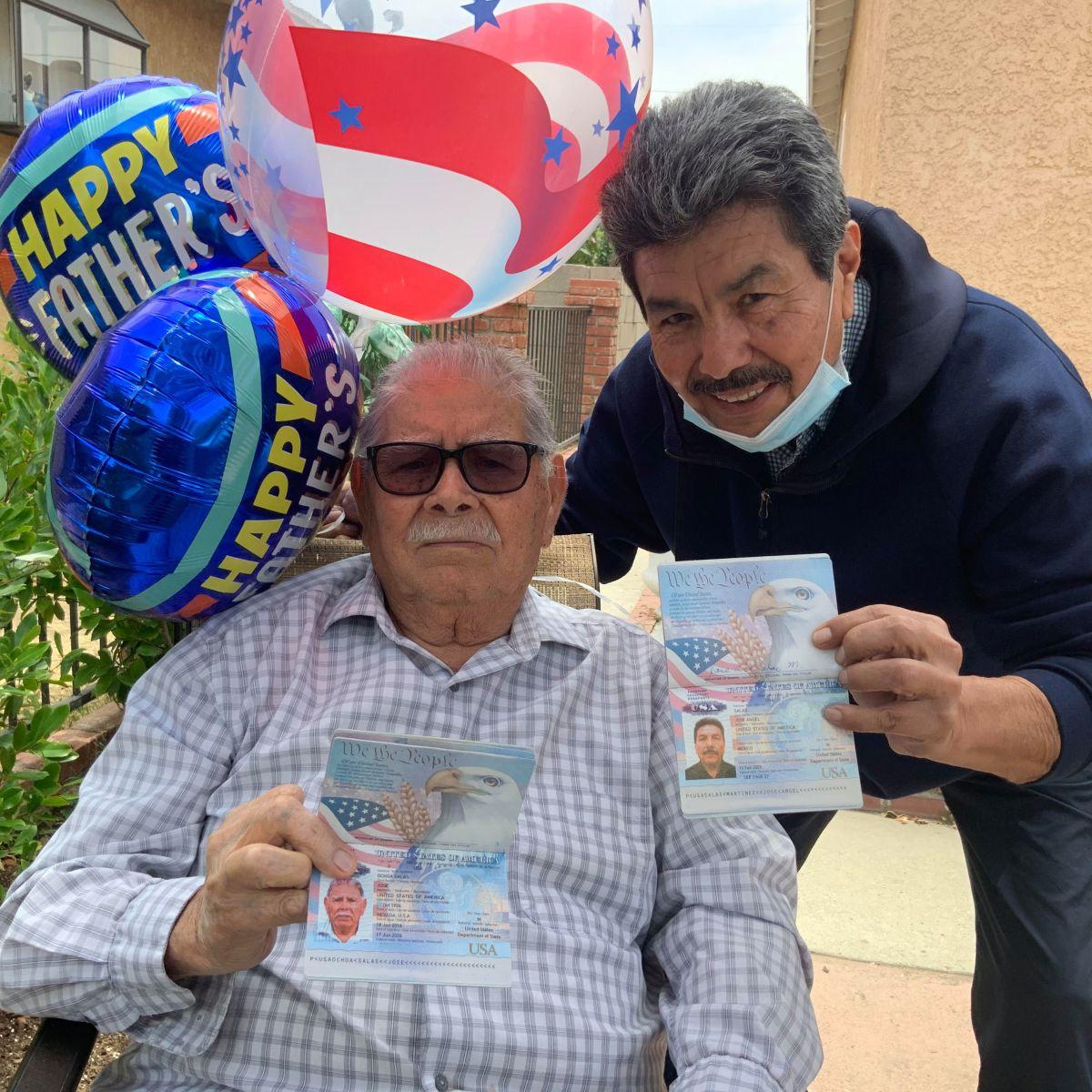 Padre nonagenario de EE.UU. da ciudadanía a hijo nacido en México