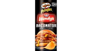 Pringles y Wendy's unen fuerzas y lanzan papas con sabor a hamburguesa Baconator