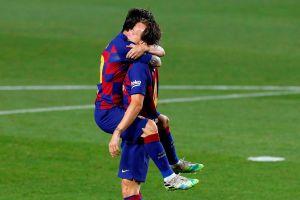 ¡Por un pelo! Ivan Rakitic rescató al Barcelona para que pueda seguir peleando por La Liga
