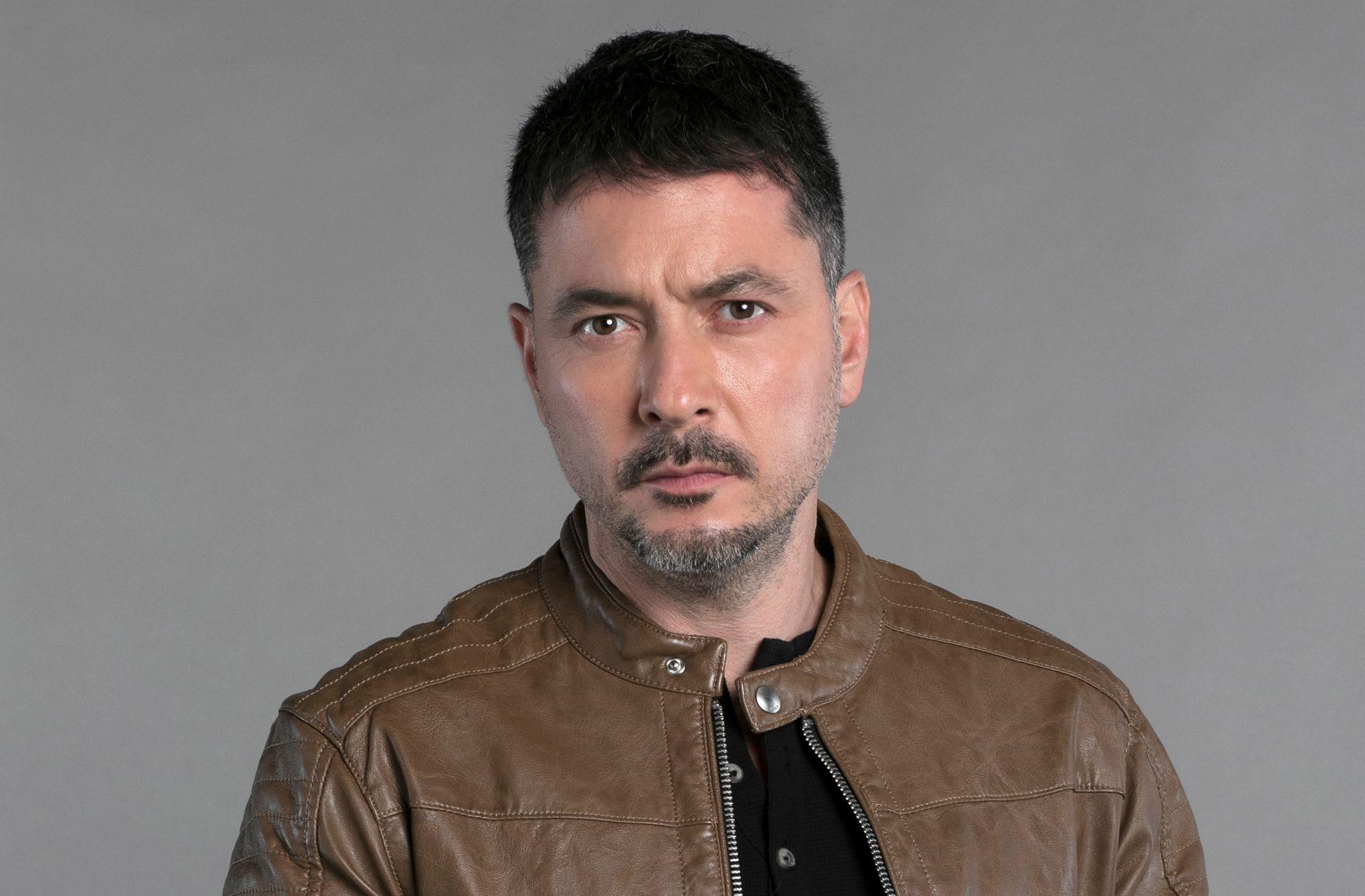 """Raúl Méndez, el protagonista de """"Enemigo Íntimo""""."""