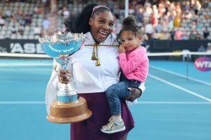 Serena Williams vuelve a usar un traje de princesa Disney, ¡ahora para bailar con su hija!