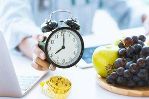 ¿Qué es la dieta 5:2? Cómo puede ayudar a perder peso y beneficiar la salud