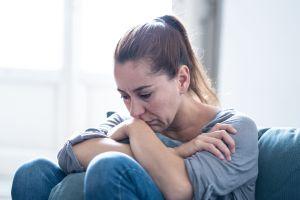 ¿Cómo manejar y lidiar con el duelo causado por el COVID-19?