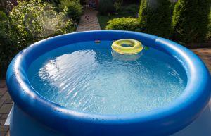 Cae el techo de una casa en España por colocar una piscina en la terraza