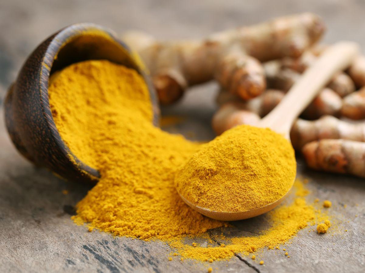 ¿Sirve la raíz de cúrcuma como tratamiento para el hígado graso?