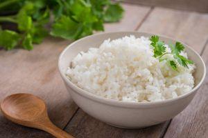 Qué sucede en el cuerpo al comer arroz