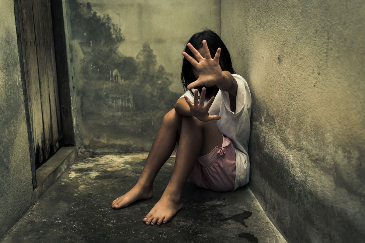 Su agresor la amenazó con hacerle daño a su familia.