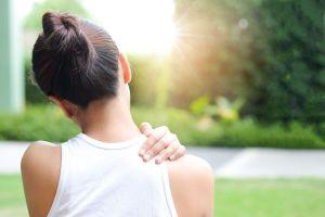 ¿Qué debemos hacer si sentimos el hombro dislocado?
