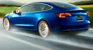 Un hombre compra 28 Tesla Model 3 por error y esto es lo que sucede