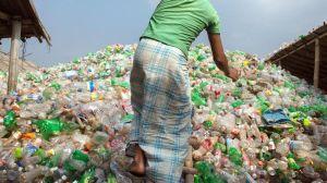 Plástico del océano reconvertido en zapatillas, así son los nuevos modelos de Adidas