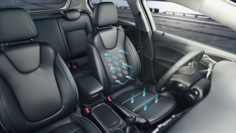 Opel incluye nuevos asientos AGR en sus autos que evitan dolores de espelada e incluso dan masaje al conductor
