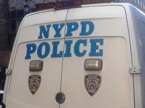 Otra patrulla quemada; 304 vehículos de NYPD atacados desde muerte de George Floyd