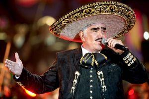 Así respondió Vicente Fernández al escándalo de su video 'tocando' a una fan