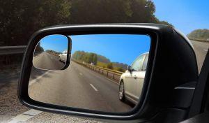 4 espejos de puntos ciegos para tus retrovisores que te ayudarán a evitar accidentes