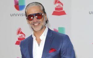 Aseguran que Alejandro Fernández contrató escorts masculinos