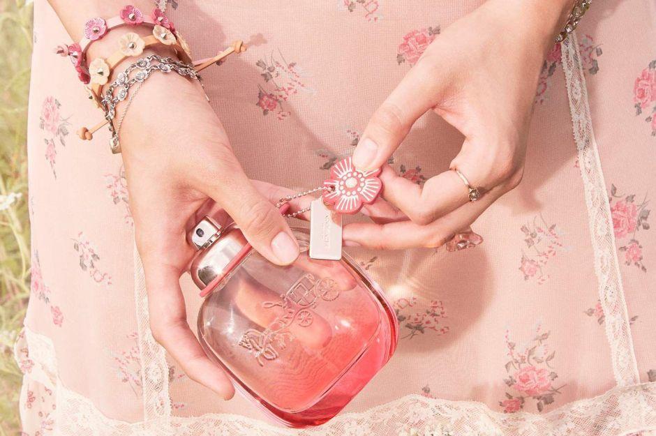 Los 5 mejores perfumes con aroma floral que puedes usar todo el año