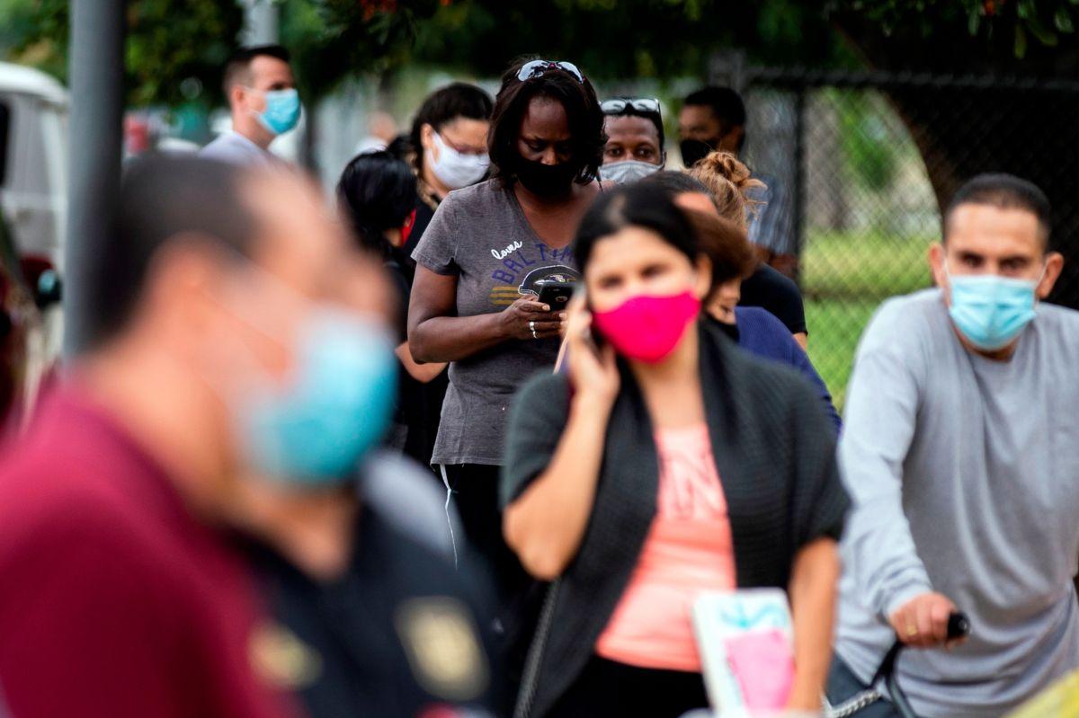 Dos motivos que pueden explicar descenso de muertes por coronavirus. Y una advertencia