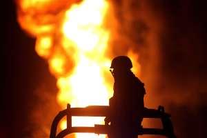 Mueren tres adultos y dos niños en incendio en barrio latino de Denver