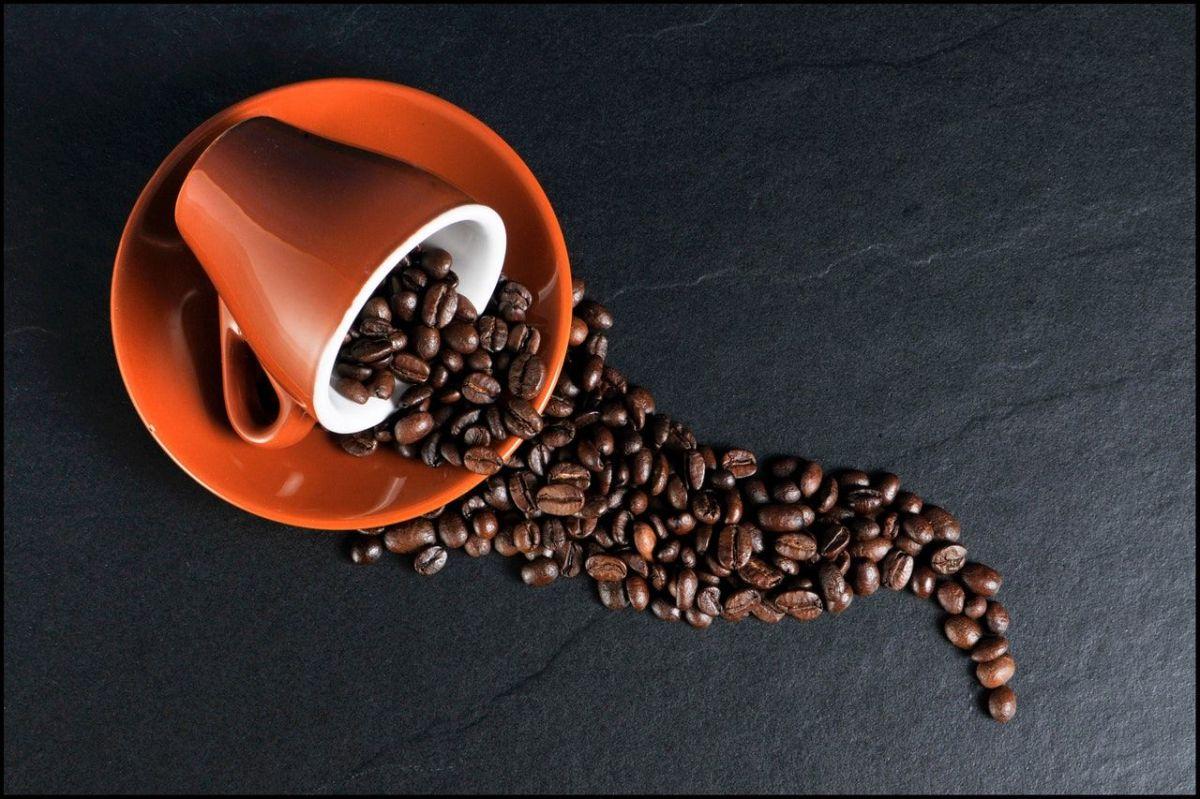 Qué puede sucederte si tienes una sobredosis de cafeína