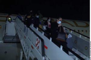 Mexicanos varados en Emiratos Árabes Unidos regresan a su país junto a cargamento de insumos donados
