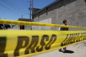 Fotos: Grupo Élite del CJNG mata a 2 jóvenes con tiro de gracia en taller mecánico