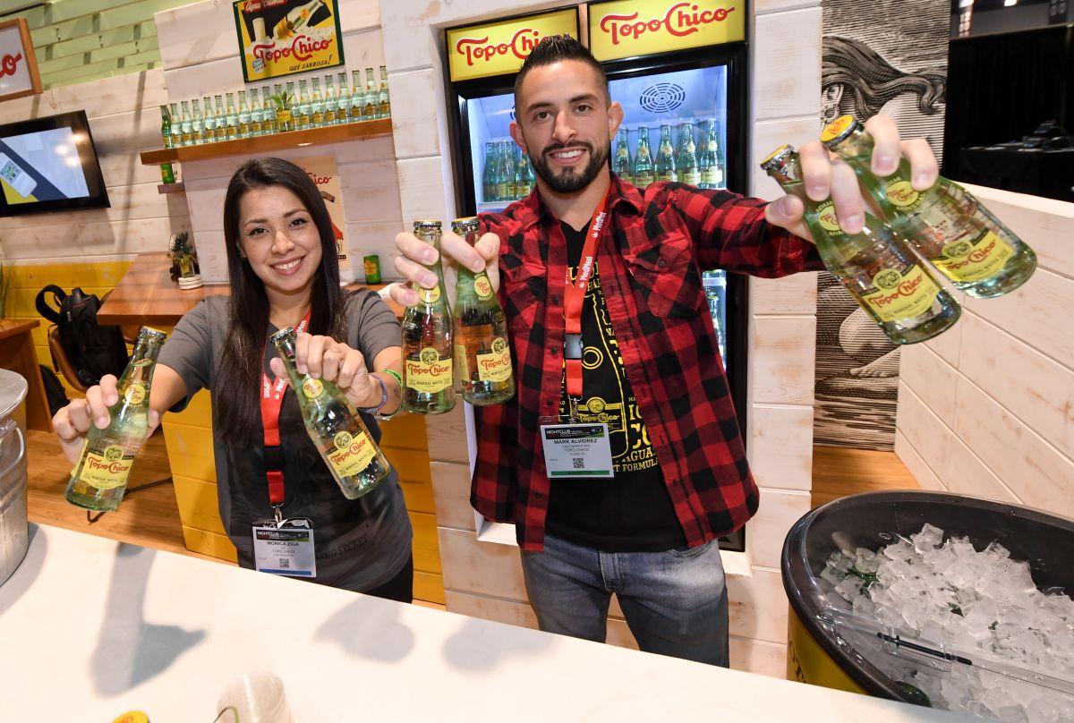 Coca-Cola lanzará una bebida con alcohol elaborada con agua mineral Topo Chico