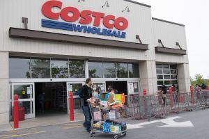 3 formas de pagar menos al comprar en Costco