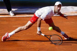 ¡Es un milagro! Novak Djokovic aparece en público con cubrebocas por primera vez desde que inició la pandemia
