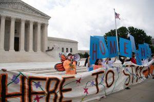 Cómo funciona DACA después de las decisiones de tribunales a favor de 'dreamers' (podcast)