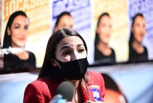 Ocasio-Cortez da un potente discurso feminista en el Congreso tras ataques de un representante republicano
